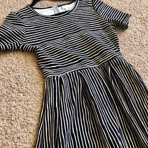 Adorable striped LuLaRoe Amelia dress